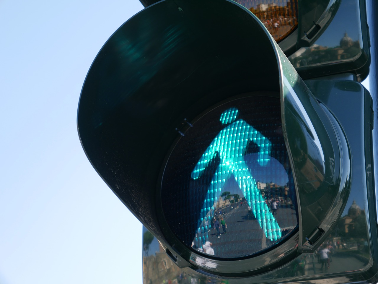 traffic light 1024768 1280 - How to Utilise Your Business Landing Page
