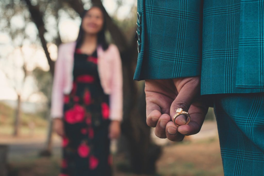 blur close up couple 2894864 1024x682 - No one gets married on their first date, so stop with the DM sales pitch...